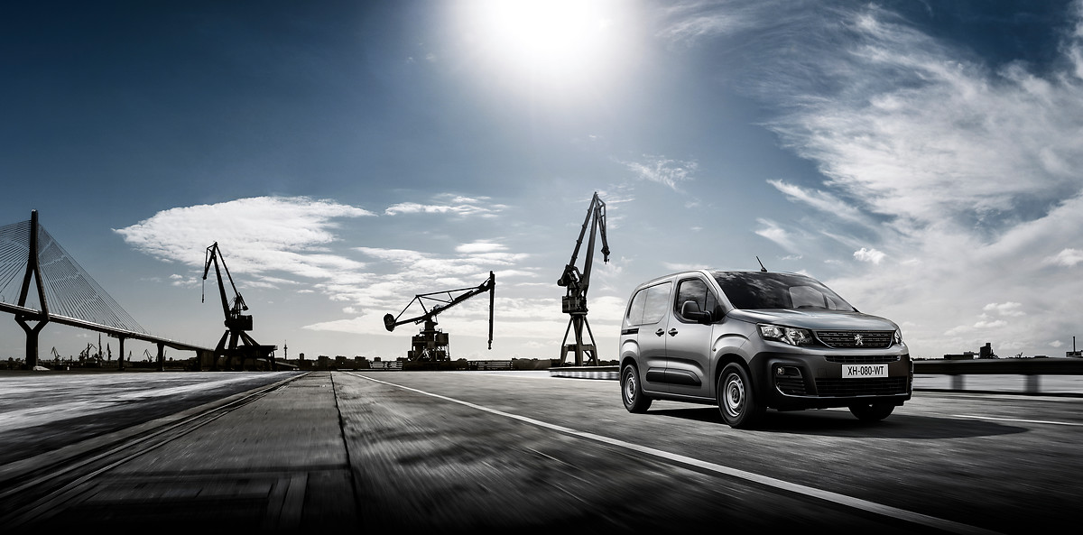 Browse our racking proposals for the new Citroen Berlingo, Peugeot Partner & Opel Combo